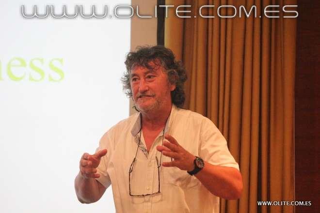 Julio García, en su conferencia donde mostró 30 años de la Escuela de Irún